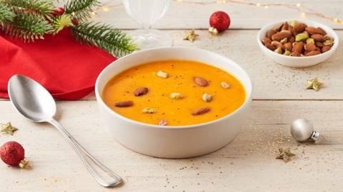 Soupe de potimarron et topping pistaches et amandes