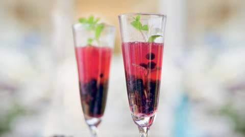 Soupe de Champagne aux myrtilles