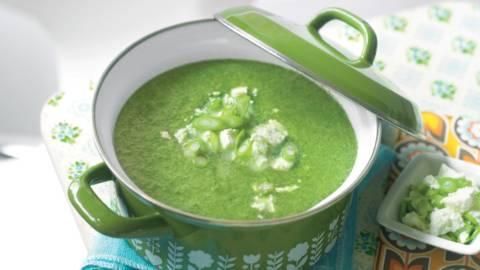 Soupe aux épinards et feta