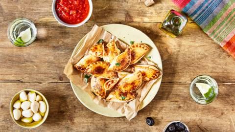 Empanadas de poulet sauce piri-piri