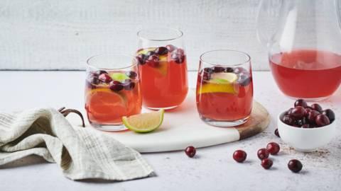 Cocktail vodka, citron vert et cranberries