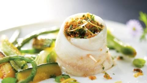 Filets de limande en paupiette et poêlée de légumes verts