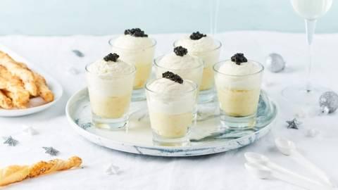 Verrines de mousse de chèvre et caviar