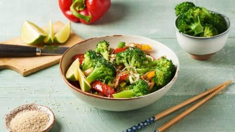 Wok de brocolis, sésame, soja et coriandre