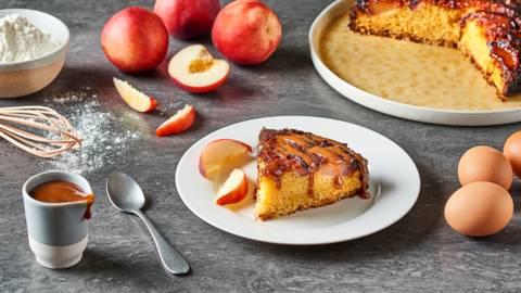 Gâteau renversé à la vanille et aux nectarines
