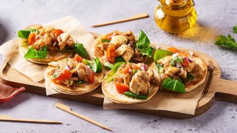 Panuchos | Tortillas au poulet et purée d'haricots rouges