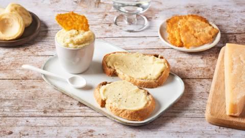 Caviar d'artichaut et chips de parmesan