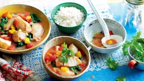 Soupe de poisson aux épinards et poivrons
