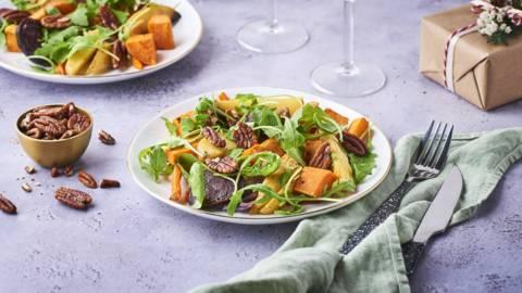 Salade de légumes rôtis, betteraves, pommes de terre et patates douces
