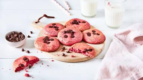 Cookies roses aux pépites de chocolat noir