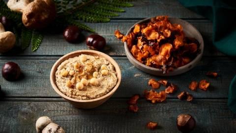 Houmous aux champignons et ses chips de carottes des sables