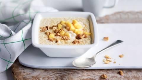 Porridge de quinoa, banane et mangue (sans gluten)