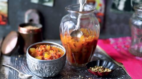 Chutney indien aux tomates et à la mangue