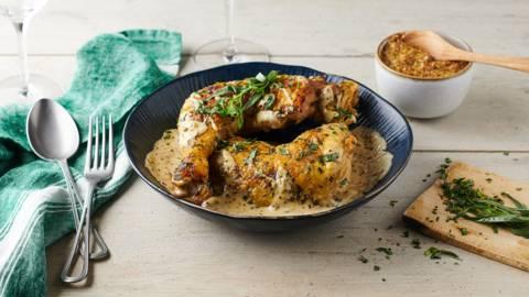Cuisses de poulet et sauce moutarde à l'ancienne