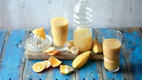 Smoothie mangue-banane-orange