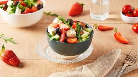 Salade de fraises, féta, et tomates