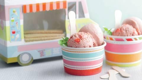 Glace maison fraise-basilic