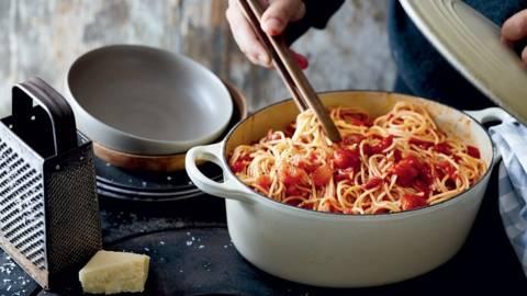 One pot spaghetti à l'arrabiata