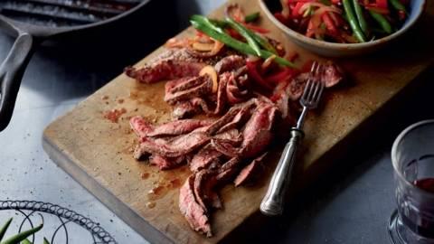 Steaks et haricots verts à la mexicaine