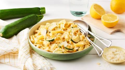 Pâtes aux courgettes sautées, citron et parmesan