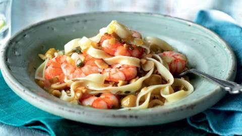 Tagliatelles aux crevettes, sauce aux olives