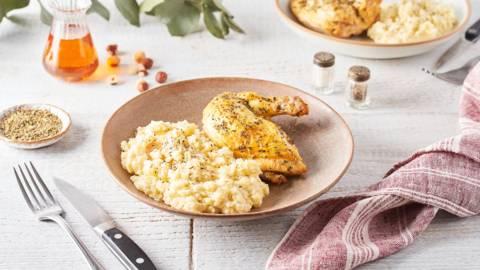 Suprêmes de poulet aux herbes et purée à l'huile de noisette