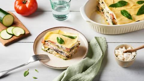 Lasagnes froides aux légumes d'été et crème à la ricotta