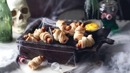 Momies en pâte feuilletée et sauce à la moutarde