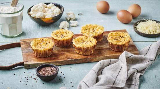 Muffins chou-fleur, emmental et graines de lin