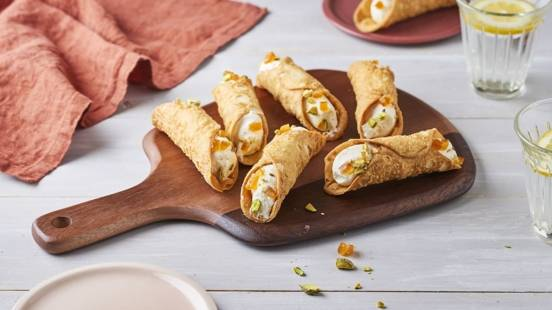 Cannoli vanille, pistache et écorce d'orange