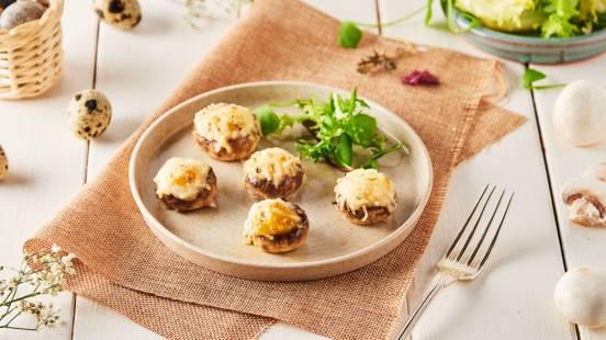 Champignons farcis aux œufs de caille