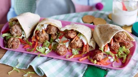 Wraps aux légumes et boulettes de viande