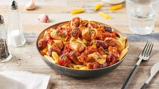 Penne au poulet et sauce tomate à la merguez