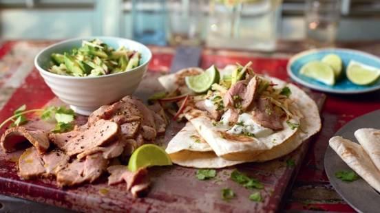 Tortillas au porc et salade d'avocat