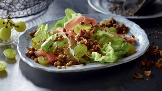 Salade de lentilles, raisins et jambon cru