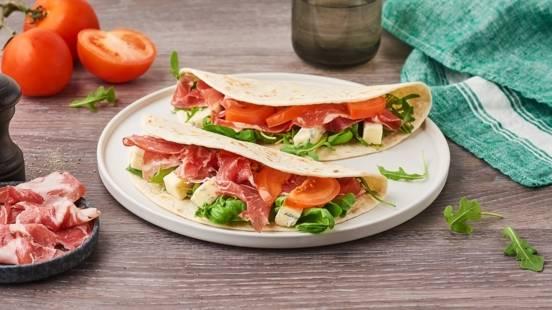 Piadina purée de tomates, coppa et gorgonzola