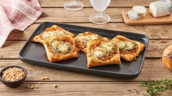 Toasts au confit d'oignons, chèvre et thym