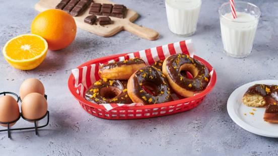 Donuts orange-cannelle et glaçage au sirop d'érable
