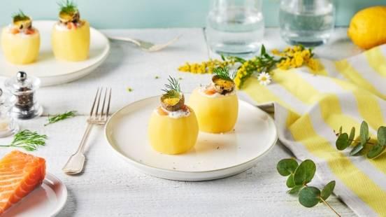 Pommes de terre à la coque, crème d'aneth et saumon