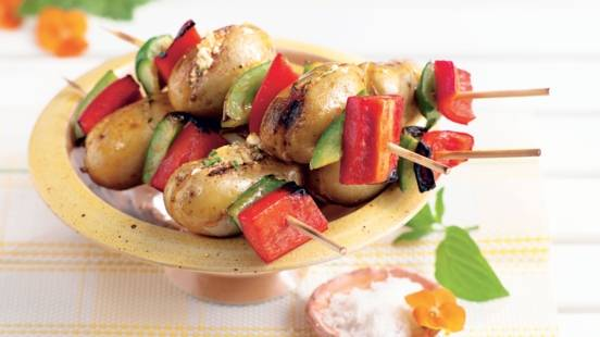 Brochettes de pommes de terre et poivrons