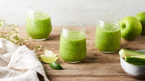 Jus détox granny smith, concombre et citron vert