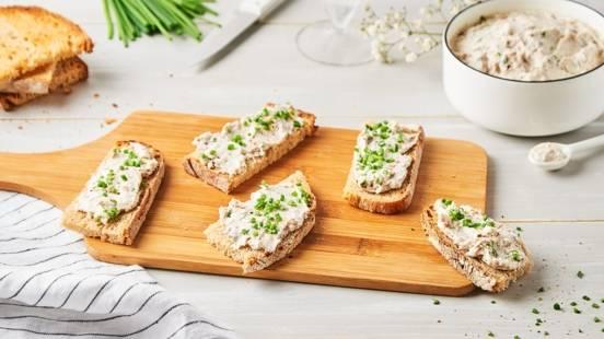 Rillettes de sardines et toast à l'ail