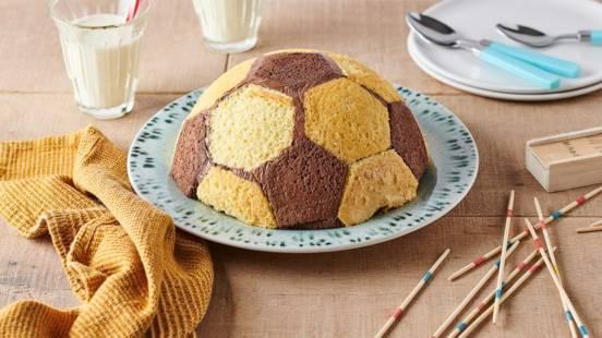 Gâteau ballon de foot à la mousse au chocolat