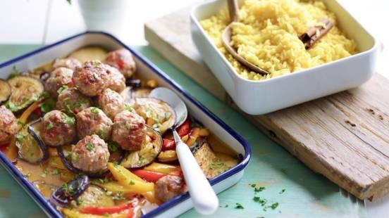 Boulettes de viande, légumes braisés et riz safrané