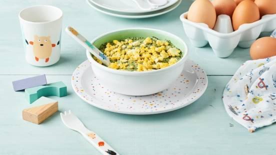 Purée d'épinards, semoule et émietté d'œuf dur