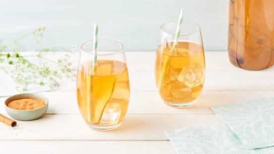 Thé blanc glacé à la poire, cannelle et thym