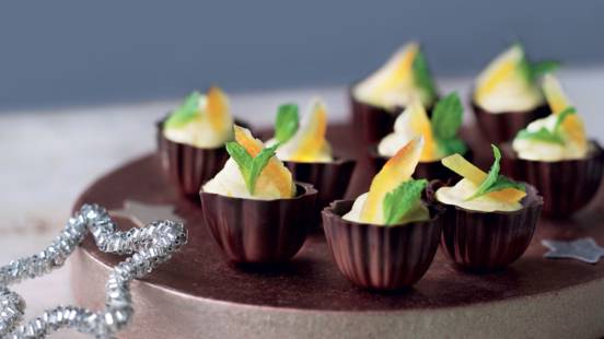 Coquilles de chocolat à la mousse à l'orange