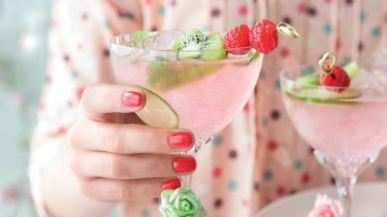 Cocktail sans alcool aux framboises et citron
