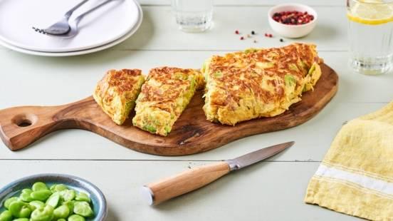 Omelette aux fèves et aux lardons