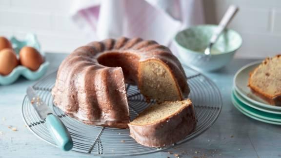 Bundt cake aux poires et aux noisettes